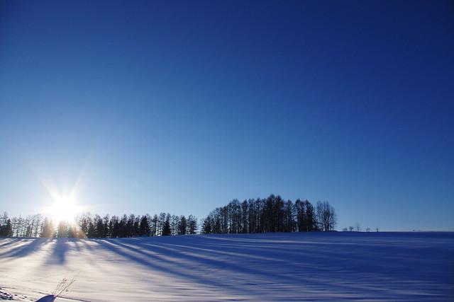 丘に沈む陽