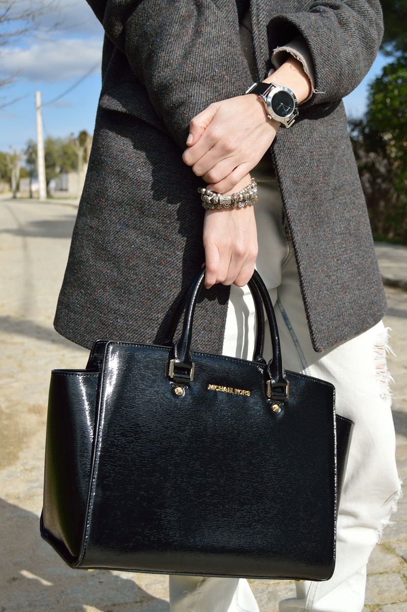 lara-vazquez-madlula-blog-details-black-on-black-michael-kors