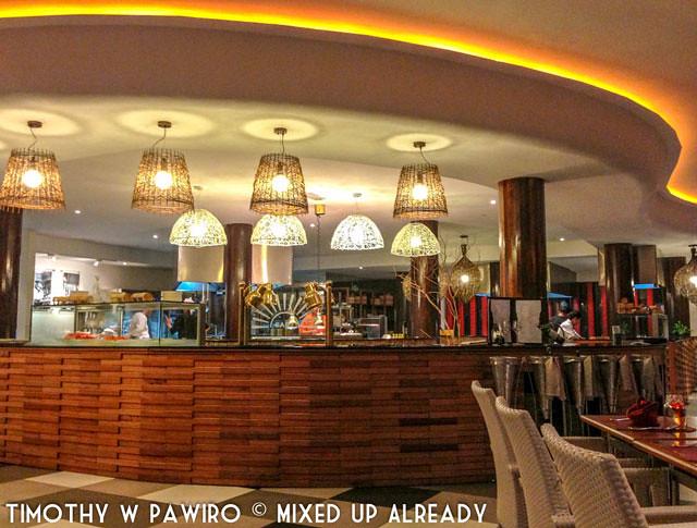 Malaysia - Kinabalu - Gaya Island Resort - Feast Village - The food bar