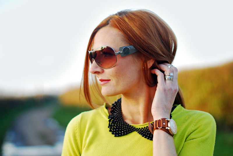 Neon green & Peter Pan collar necklace