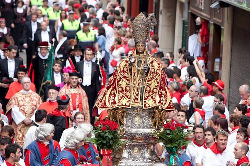 La Procesión de San Fermin-Pamplona パンプローナのサンフェルミンの行進
