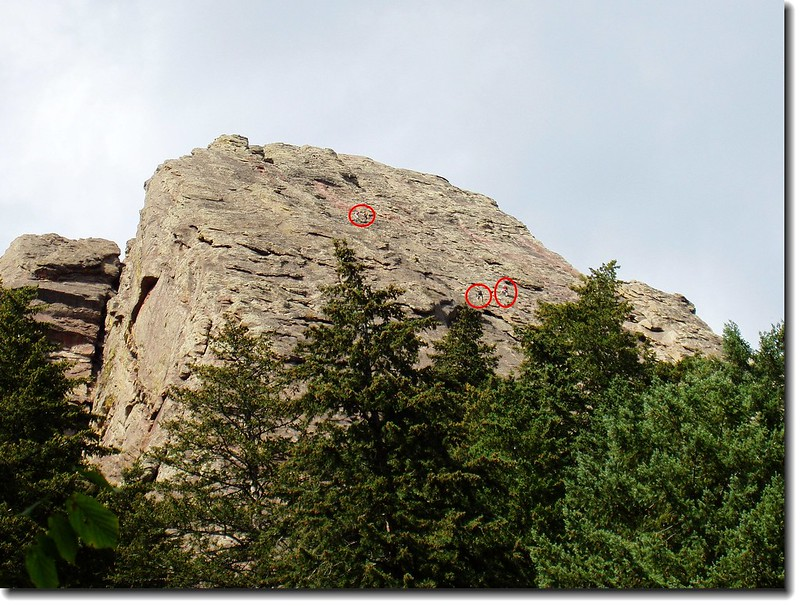 SEVERAL_CLIMBER_ON_THE_ROC_1