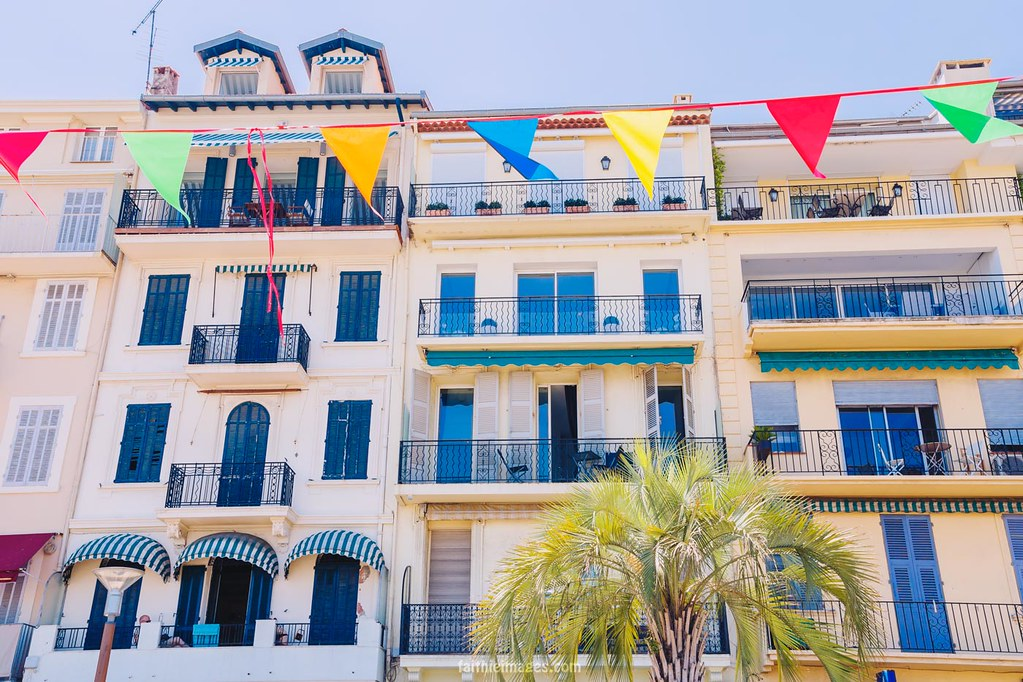 Pictoresque houses in South of France