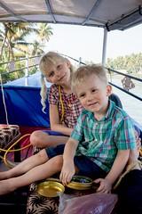Zabawy na łodzi czyli ziedzamy backwaters!