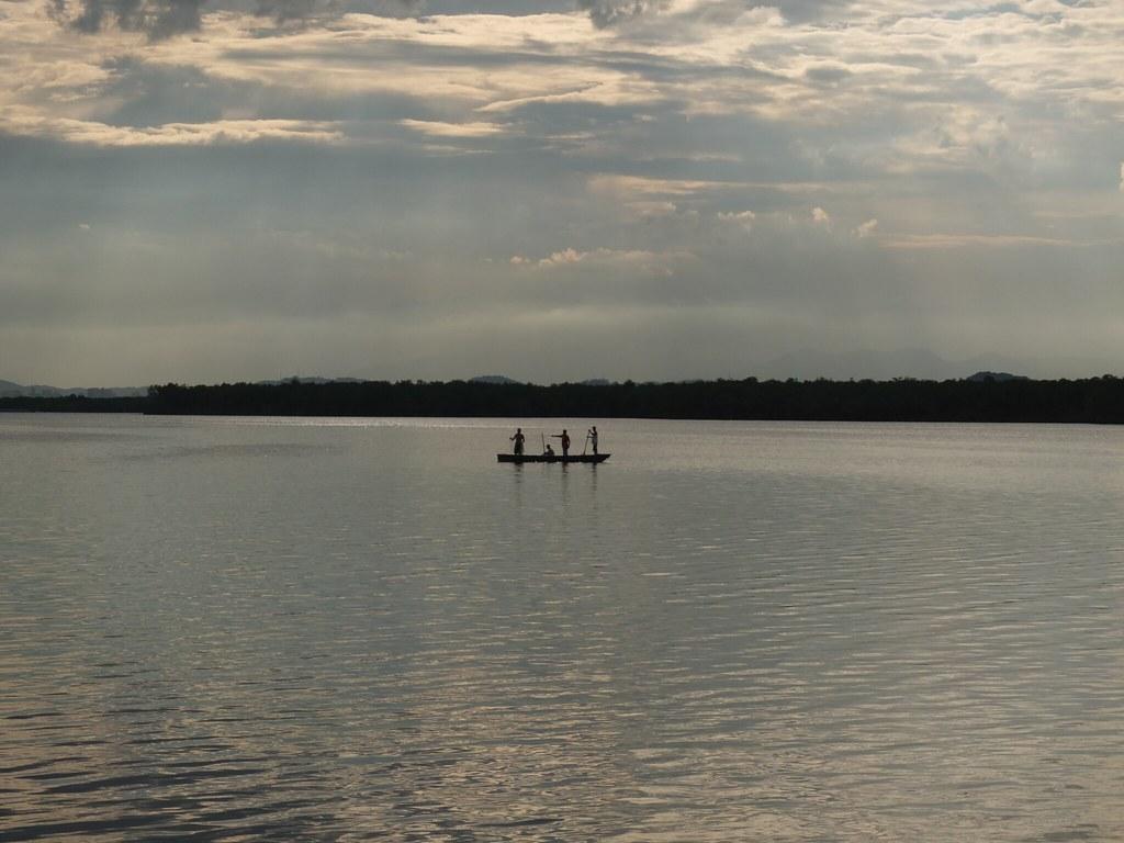 pescadores-casa- flutuante