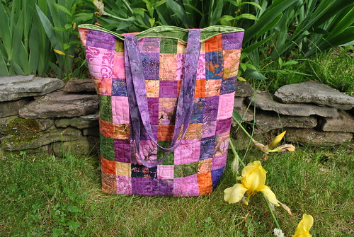 Teacher's Pet bag pattern by Sweet Jane, hoffman fabric