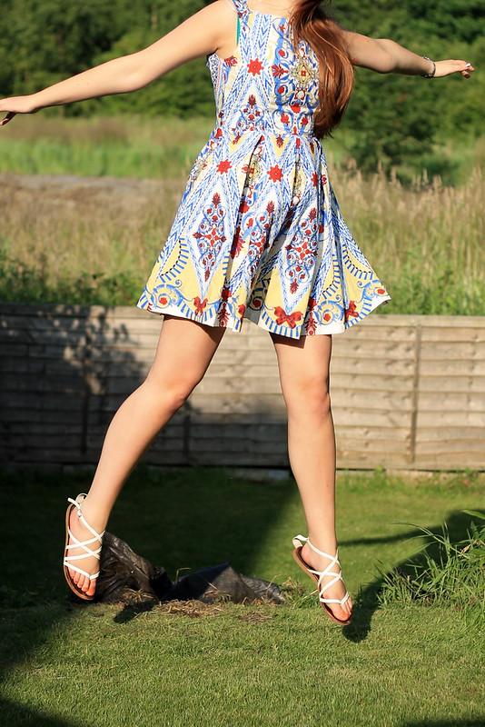 OOTD, outfit of the day, uk style blog, navy zara cardigan, debenhams dress, sandals