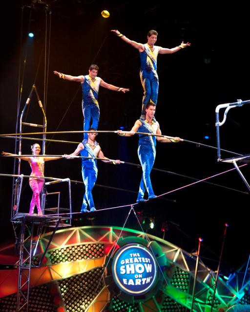 CIRCUS Danguir Troupe balancing on shoulders full group