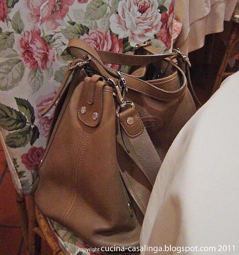 Handtaschenstuhl