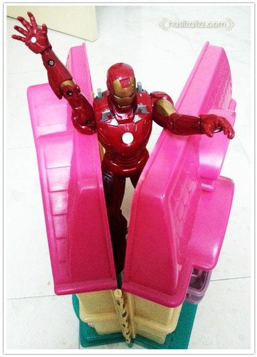9666122488 823e501fef o Bila ironman tersepit dirumah barbie