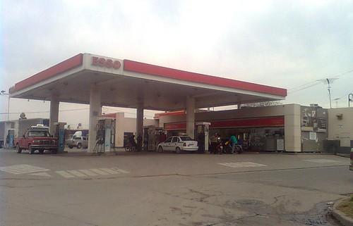 ESSO Servicentro Combustibles Villa María - Estación de servicio