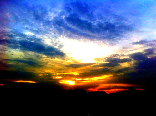 sky color beauty photography ramkrishna iphone4 uploaded:by=flickrmobile ramkrishnasapartment colorvibefilter flickriosapp:filter=colorvibe