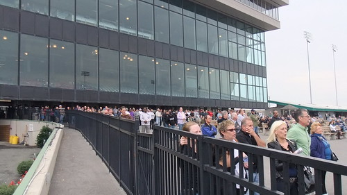 Meadowlands Crowd Before Race 1
