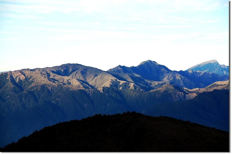 三叉、向陽、關山(From 馬西山遠眺西南)