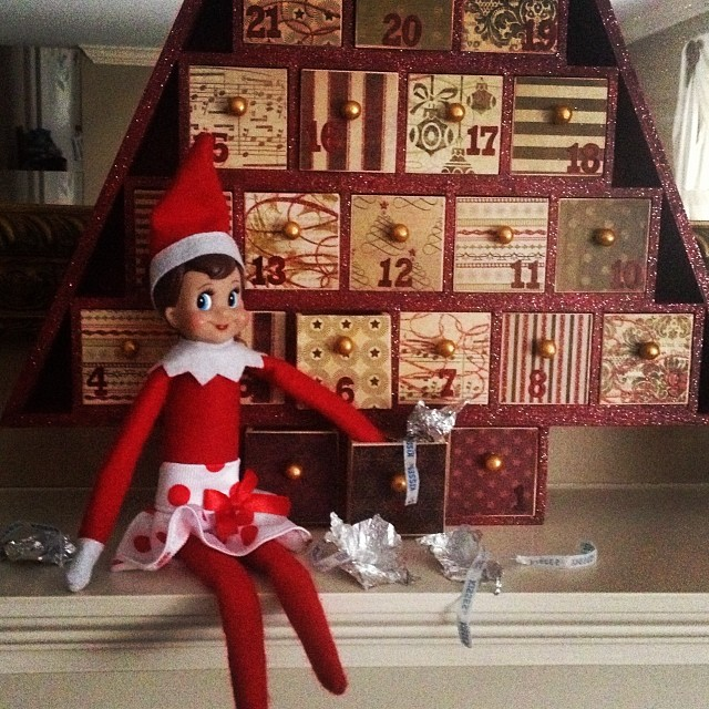 Uh oh, Maura is a little mad at Sparkle... the naughty elf got into the advent calendar chocolate! #elfontheshelf