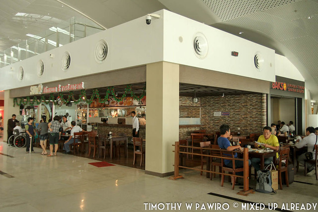 Indonesia - Medan - Kuala Namu International Airport - Restaurant