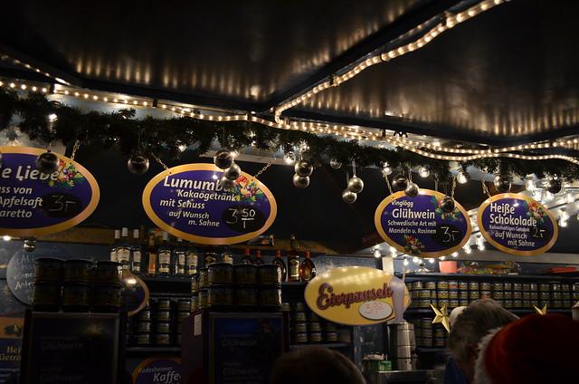 Wiesbaden Sternschnuppenmarkt Christmas Gluhwein drinks stand