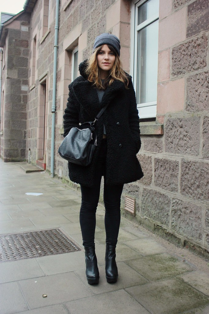 owntherunwayblackcoat