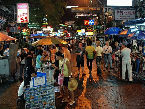 Khao San Road (by: Kevin Poh, creative commons)