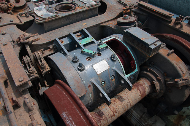 HITACHI HS-836 TRACTION MOTOR