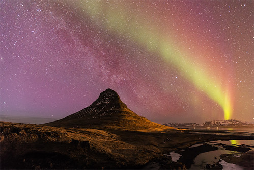 Mountain Kirkjufell, northern lights and the milky way
