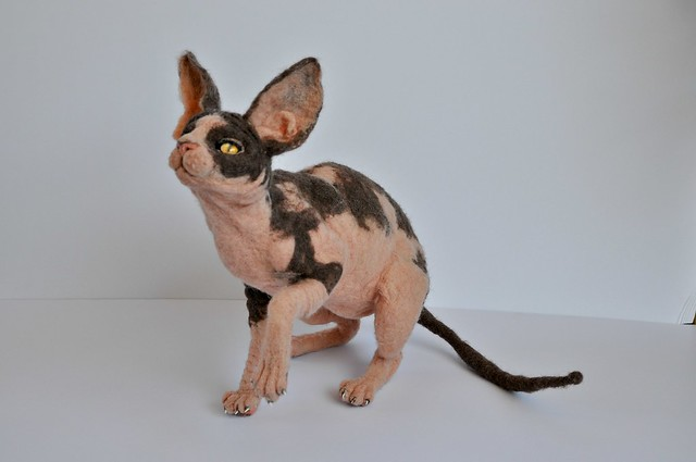 Needle felted Sphinx kitty