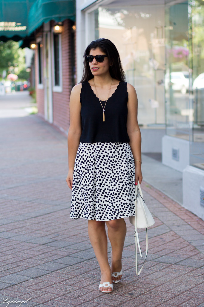spotted skirt, scalloped hem crop top, white sandals.jpg
