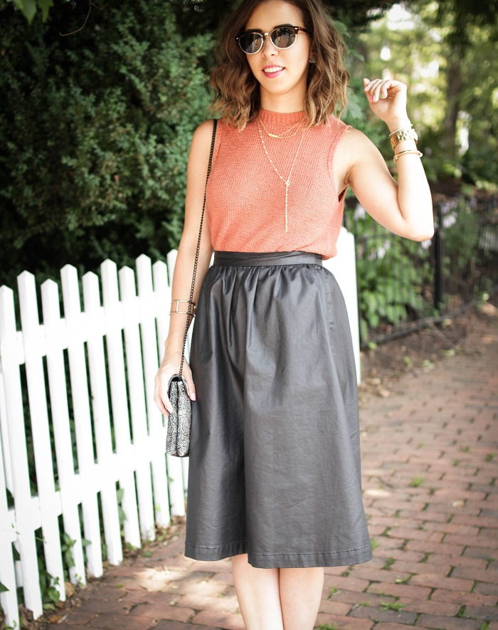 aviza style. andrea viza. fashion blogger. dc blogger. faux leather midi skirt. lou & Grey top. summer outfit. 21