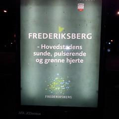 Ved et kryds med over 26,000 fucking biler dagligt. #ffrederiksberg #dkpol #løgn