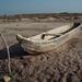 Dugout canoe - Playa de San Mateo del Mar, Región Istmo, Oaxaca, Mexico por Lon&Queta