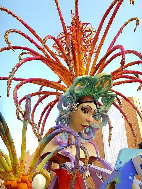 Hoguera en la fiesta de San Juan, Alicante. Autor, Jorge Castro