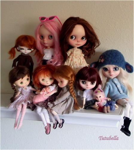 Happy Dolly Shelf Sunday!!