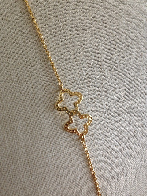 Stella & Dot Signature Clover Necklace