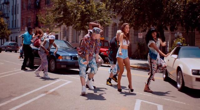 Ariana Grande Baby I street