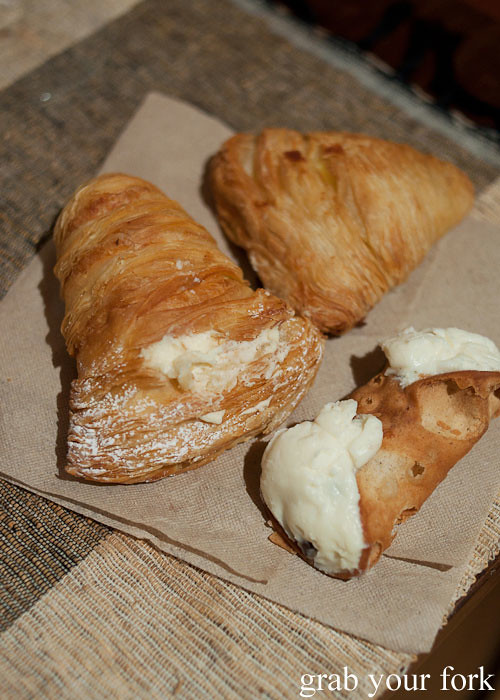 lobster tail sfogliatelle mini ricotta cannoli carlo's bakery cake boss buddy valastro new jersey