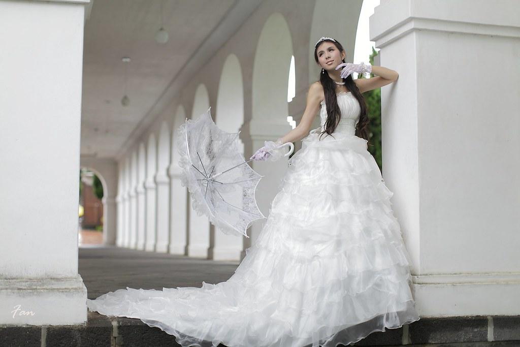 皇室成員公主婚紗風(加6張)