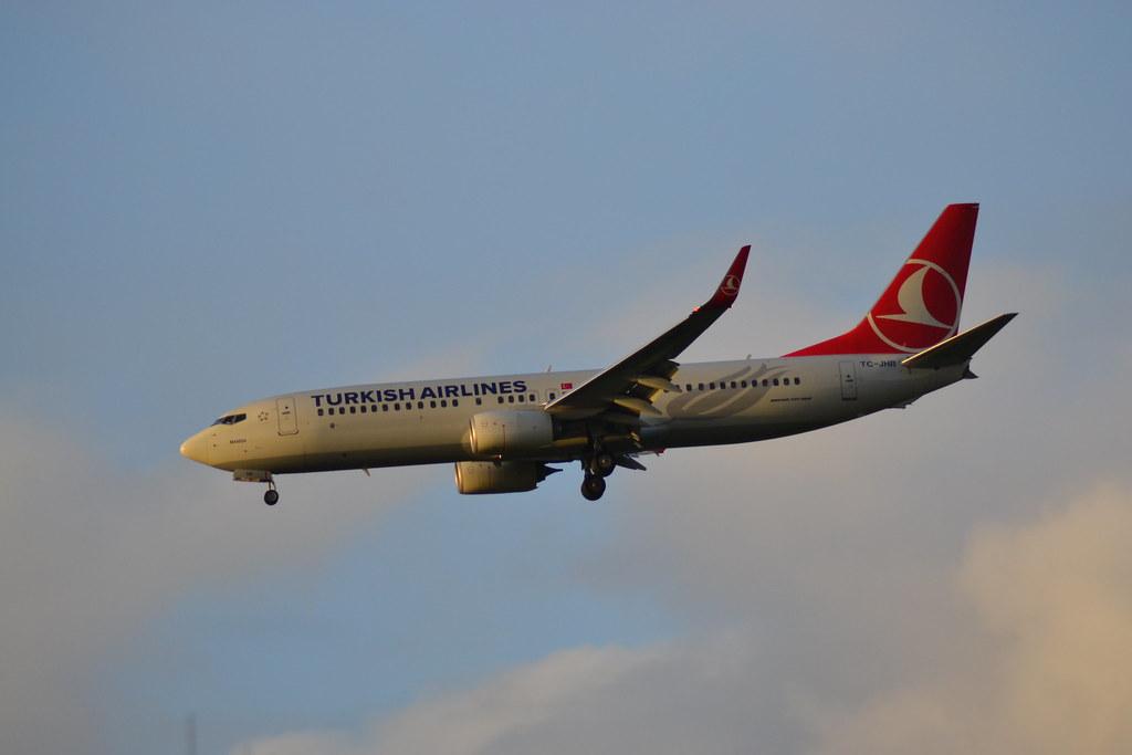 TC-JHR - B738 - Turkish Airlines