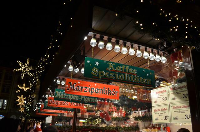 Mainz Weihnachtsmarkt treats signs