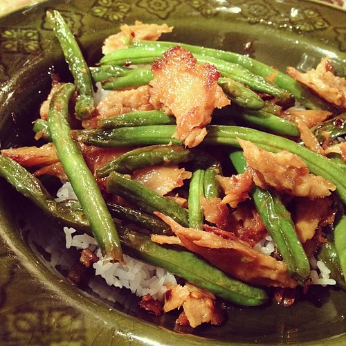 Dinner: chicken style seitan w. string beans (I was in the mood for homemade greasy Chinese!) #vegan