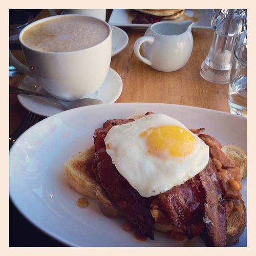 Brunch at The Agrarian in Bloomfield. Digging in.. #breakfast #brunch #beansontoast #food #ontario #bloomfield