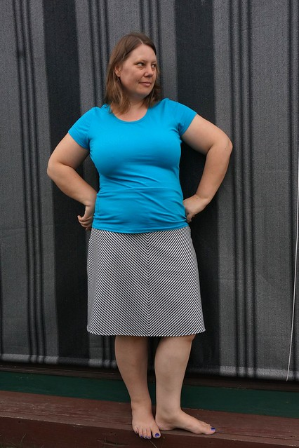 Stretchy A-line skirt