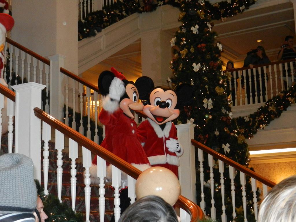 Un séjour pour la Noël à Disneyland et au Royaume d'Arendelle.... - Page 4 13693305253_36296bd55b_b