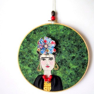 {new listing} Frida hoop/wall hanging #drawingwiththesewingmachine #woodbeads #fridakahlo #3D #large #etsy #linkinprofile