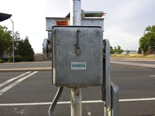 Siemens Gate Mechanism - Mike's Railroad Crossing Forum