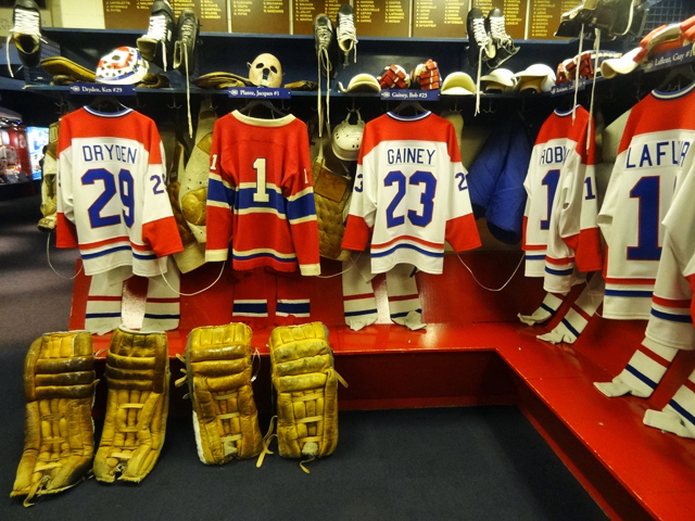 replica-canadiens-locker-ro