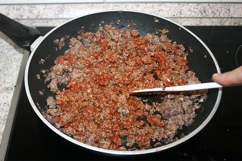 36 - Tomatenmark kurz anrösten / Roast tomato puree