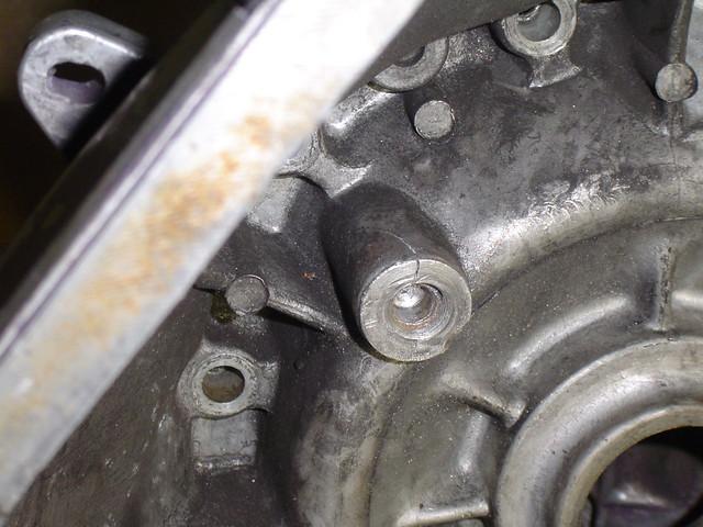 BW cracked/stripped pivot boss