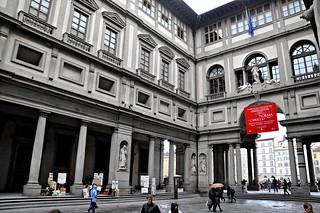 http://hojeconhecemos.blogspot.com.es/2013/06/dogaleria-uffizi-florenca-italia.html