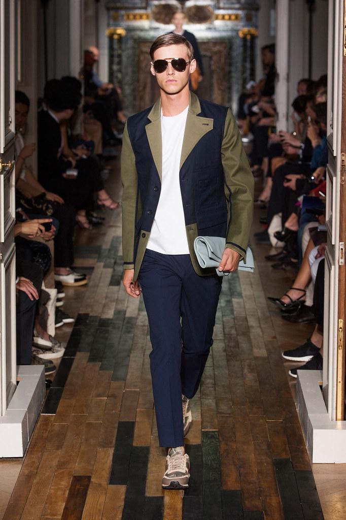 Robbie Wadge3660_SS14 Paris Valentino(fashionising.com)