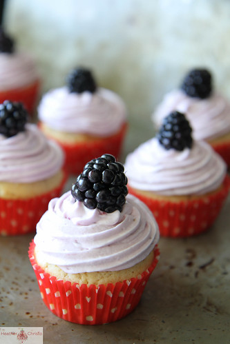Blackberry and Cream Cupcakes